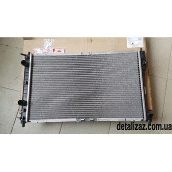 Радиатор охлаждения Сенс 1.3 Ланос 1.4 с кондиционером ЗАЗ 96182-2610000-10